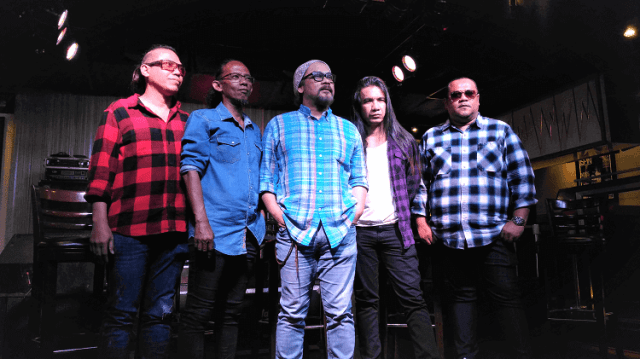 Sunday Night Live at Hard Rock Cafe Kuala Lumpur, Wings,
