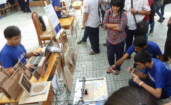 Thần đồng Việt chế tạo máy khắc laser từ đồ phế liệu