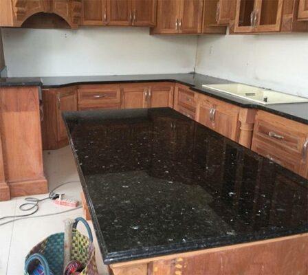 Mẫu đá hoa cương granite ốp bàn bếp đẹp