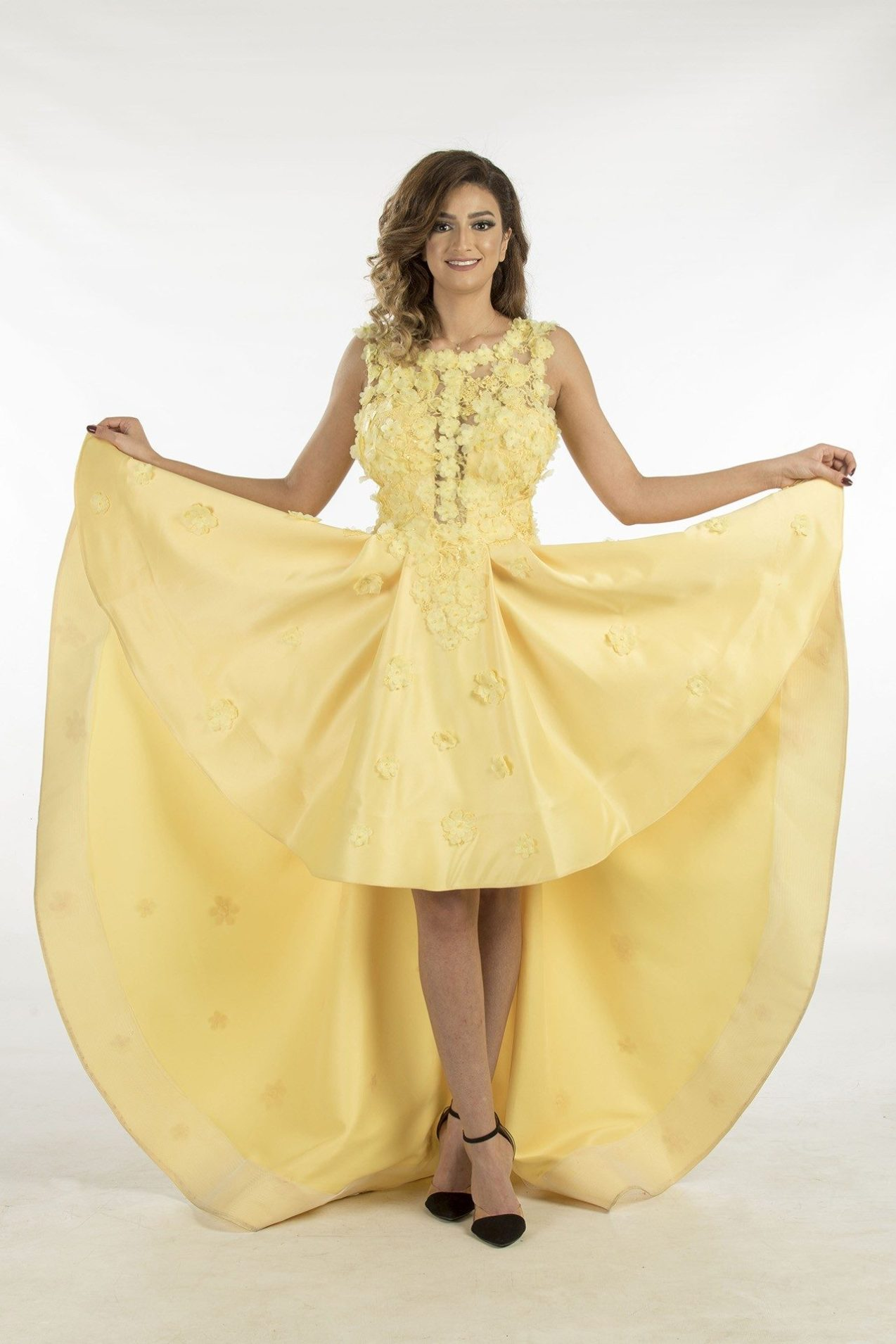 f28f6cff5f11a فستان سهرة قصير من الأمام وطويل من الخلف- صدر وظهر دانتيل مورد ...