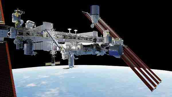 Dragon-kapsülleri-uzay-istasyonuna-nasıl-kenetleniyor