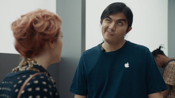 Samsung vs Apple In New Galaxy S9 'Ingenious' Ads