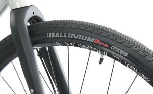 2020 KHS Grit 220 tire