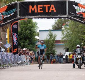 KHS Elevate Webiplex team rider Uilses Castillo crossing the finish line in first place at the 2020 Mexican National Road Race Championships.