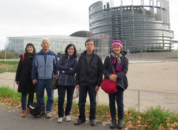 Paliament Europeene - Nguyet, NDHoang, DaMinnh, Luan, Mai