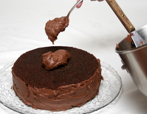 frosting-chocolate-cake