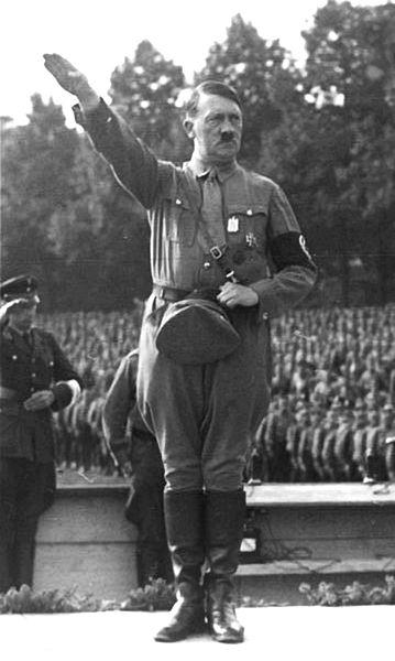 Nazi Salute-Khurki.net