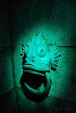 It seems an ominous mermaid like head guards the beginning of the undersea adventure