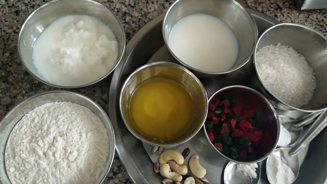 मफिन कटोरी केक कैसे बनाएं | How to make Muffin Katori Cake