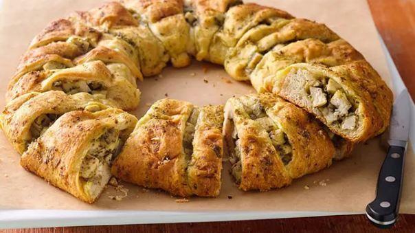 Make bread rings sandwich, in a new style