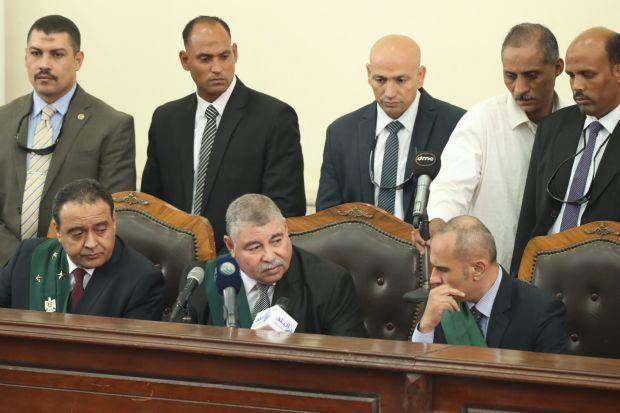 مصر کښې عدالت پنځه اوويه کسانو ته د مرګ سزا اورولې