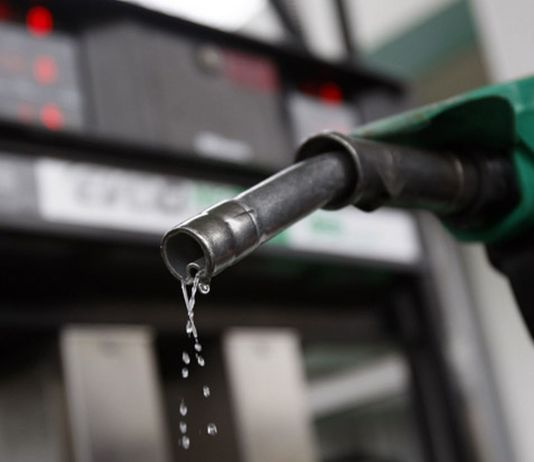 Govt likely to hike petrol prices by Rs10