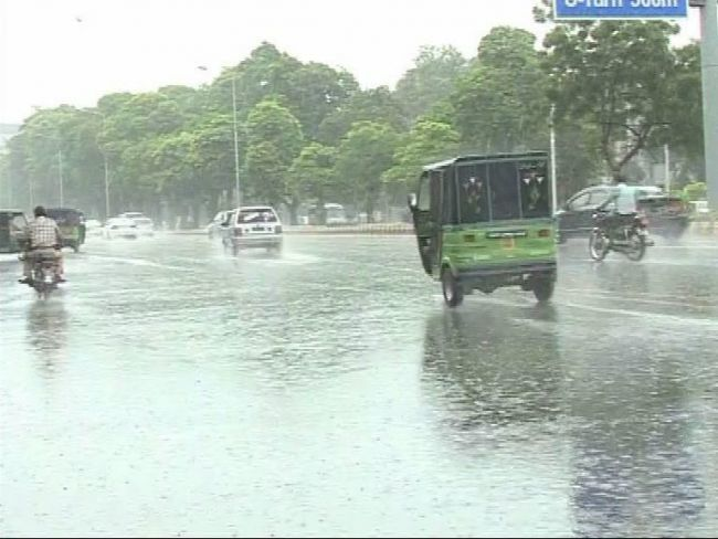 Islamabad, Rawalpindi and other cities receive heavy rain