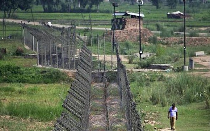 Two Pak Army soldiers among four martyred in Indian unprovoked firing along LoC