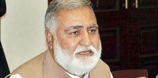 Akram Khan Durrani escapes firing attack in Bannu