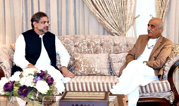 PM Abbasi, Khursheed reach consensus over caretaker primer's name