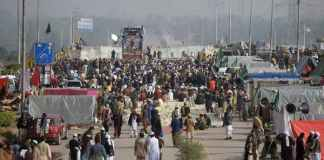 SC takes notice of Faizabad sit-in