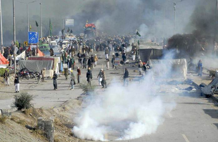 State kneeled before Faizabad protesters: IHC