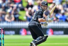 New Zealand whips Pakistan in first T-20 match, lead series 1-0