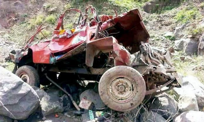 Five killed as jeep falls into ravine in Muzaffarabad