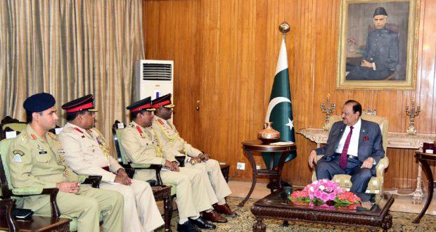Commander Sri Lankan Army calls on President Mamnoon