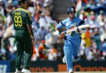 Waqar Younis, Tendulkar call for scrapping use of two balls in ODI