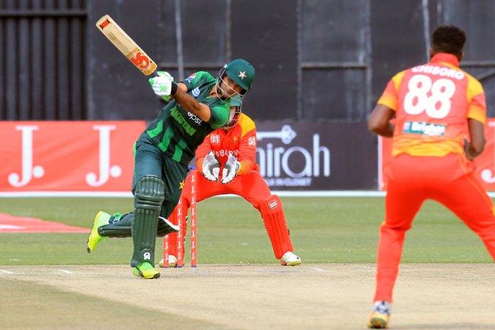 Fakhar's double ton helps Pakistan set 400 runs target for Zimbabwe