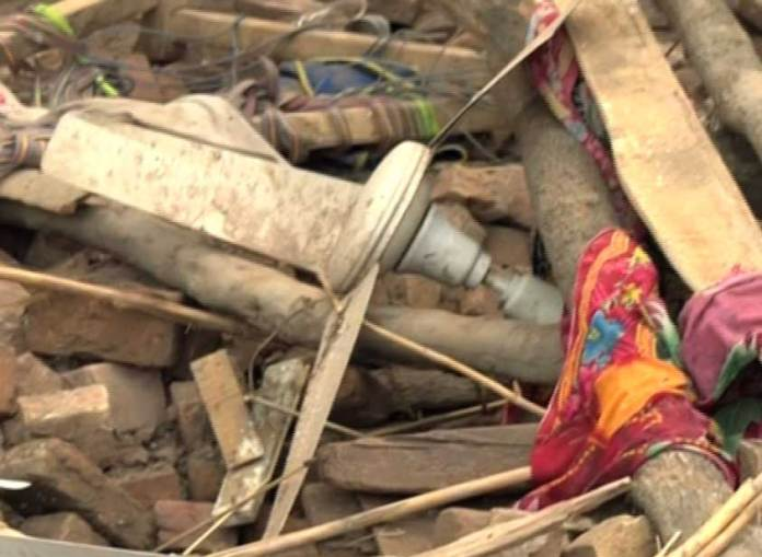Man, daughter die in roof collapse incident in Peshawar