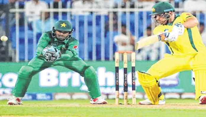 Pakistan decide to bowl first against Australia in 4th ODI