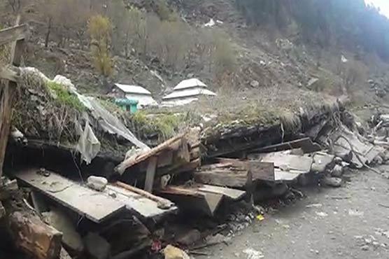 Shops, hotels collapse as torrential rain hits Balakot
