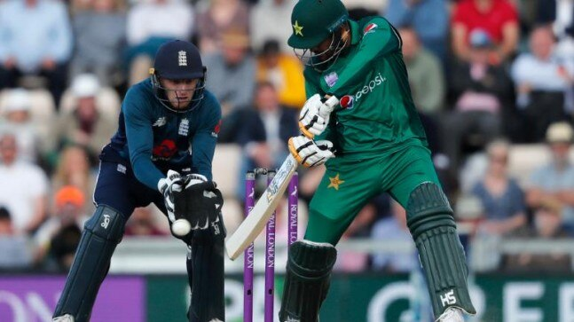 England beat Pakistan by 3 wickets in 4th ODI to clinch series 3-0