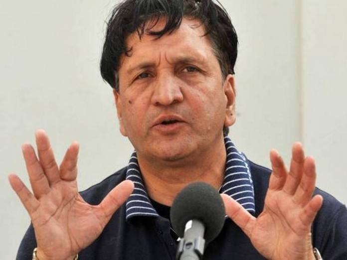 Former cricketer Abdul Qadir dies of cardiac arrest in Lahore