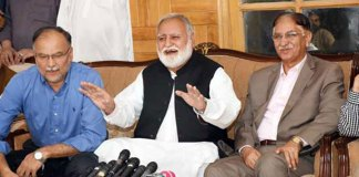Opposition parties decide to exert more pressure on PTI govt: Durrani