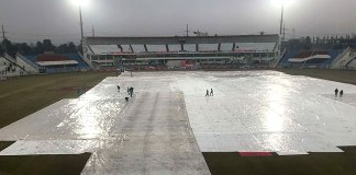 Bad light halts third day play in Pakistan, Sri Lanka Test