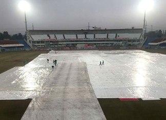 Bad light halts third day play in Pakistan, Sri Lanka Test