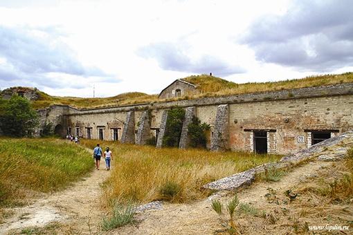 Крепость Керчь некогда перекрыла врагам путь в Азов.