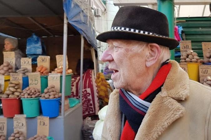В день смерти Попов гулял по рынку Ростова.
