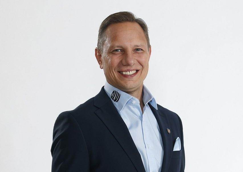 """Jussi Tapola: """"Valmennuksen tehtävä on myös haastaa pelaajia johtajuuteen ja koittaa kehittää heitä siinä"""""""
