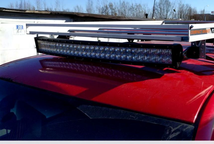Установленная LED-фара