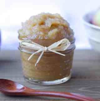 Easy Homemade Applesauce | kickassbaker.com #applesauce #homemade #easyrecipes #apples #fall #fallrecipes #kickassbaker