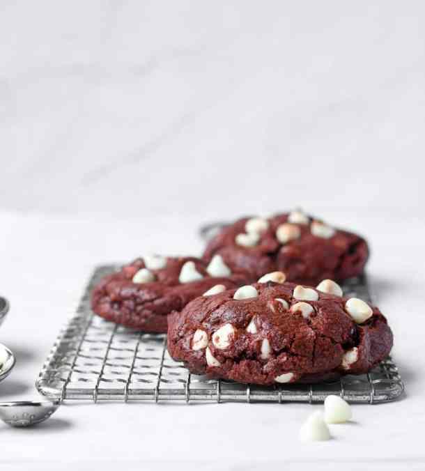 Red Velvet Cookies | kickassbaker.com #redvelvet #cookies #valentinesdayrecipes #vday #love #kickassbaker #cookierecipes #valentines #treat