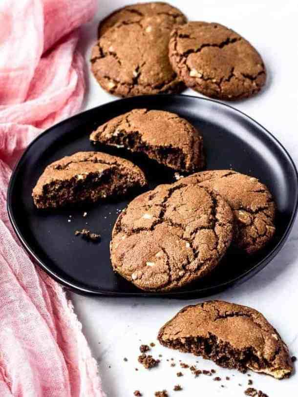 White Chocolate chip chocolate cookies | kickassbaker.com #whitechocolatechip #chocolatechipcookies #kickassbaker #nutfree #easyrecipes #cookies #chocolate