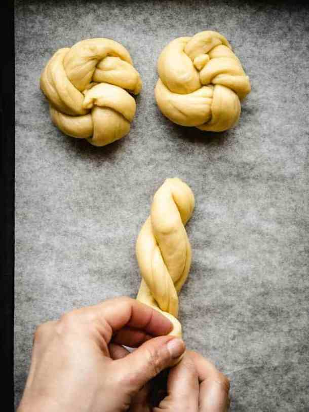 how to braid challah into rolls