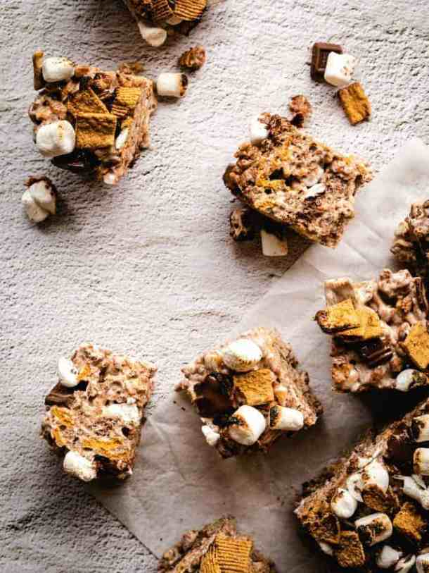 s'mores Rice Krispie treats cut into squares