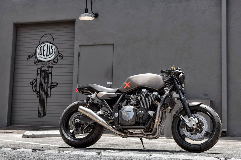 Deus Italy Project X Has Built Two Eye Catching Xjr1300 Customs The Endurance Themed Eau Rouge Bottom Shot Right And Stripped Back