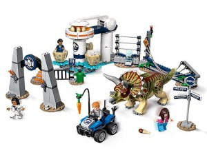 LEGO® Jurassic World™ Products Triceratops Rampage 75937