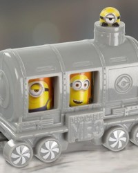 mcdonalds-happy-meal-toys-holiday-express-2017-minions.jpg