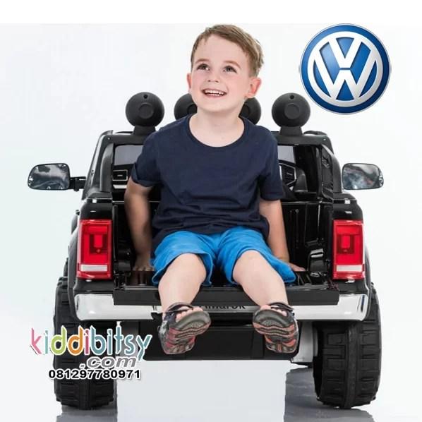 vw-amarok-mainan-mobil-aki-hitam-2