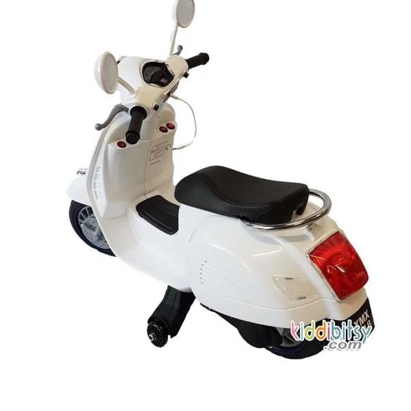 MOTOR-AKI-ANAK-MODEL-VESPA-SCOOTER-PINK