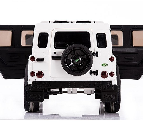 land rover defender-belakang